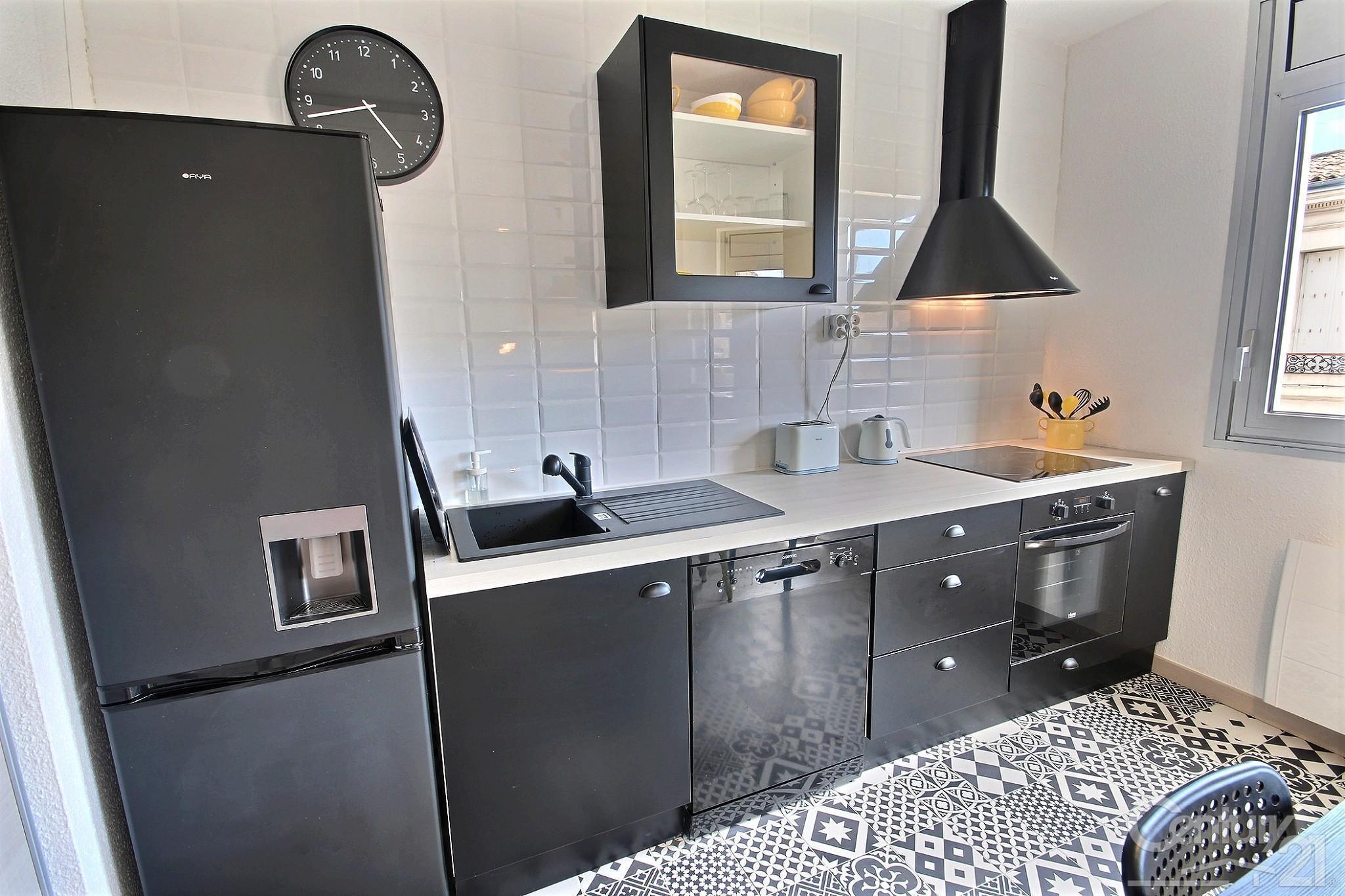 Appartement f1 1 pi ce louer bordeaux 33000 ref for Location appartement centre ville bordeaux