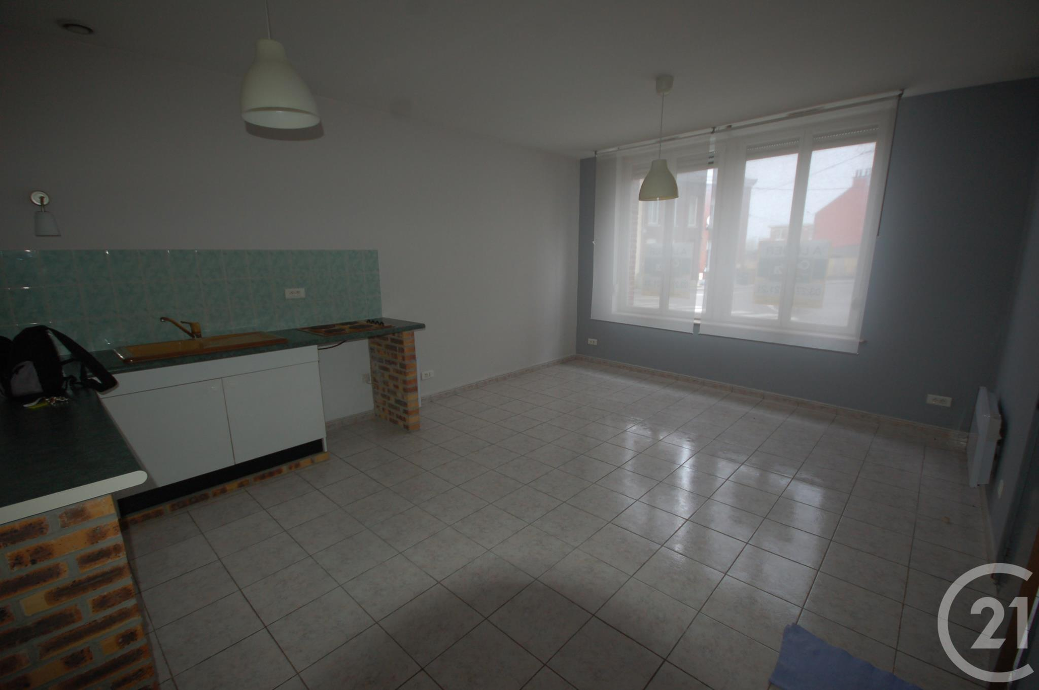 Appartement f2 2 pi ces louer maubeuge 59600 ref for Location appartement f2