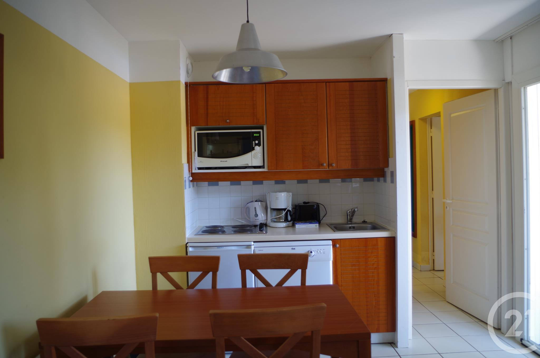Appartement f2 2 pi ces vendre carcans 33121 ref for Appartement f2