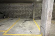 Location parking - PARIS (75016) - 10.6 m²