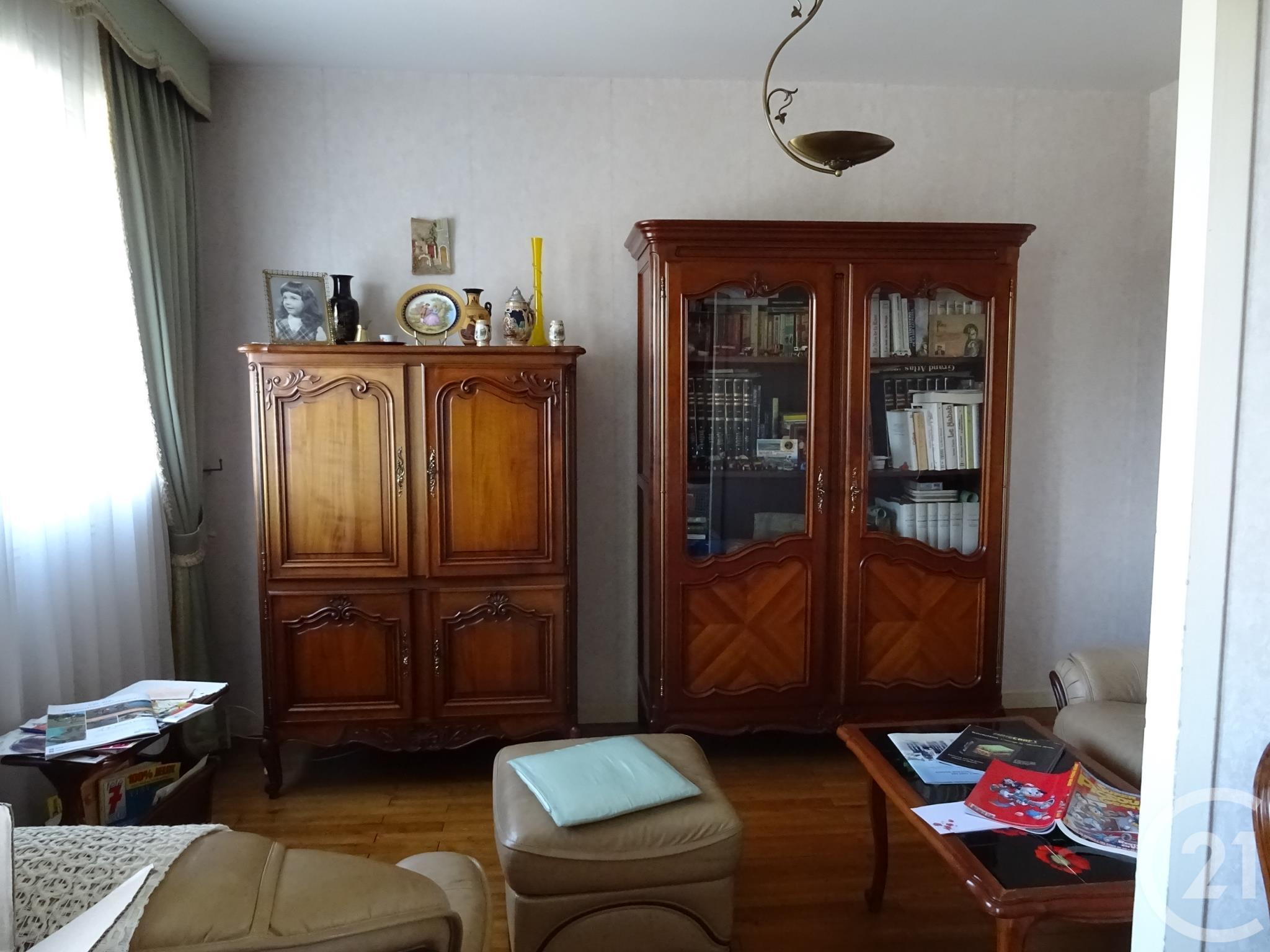 appartement f4 3 pi ces vendre nantes 44300 ref 53365 century 21. Black Bedroom Furniture Sets. Home Design Ideas
