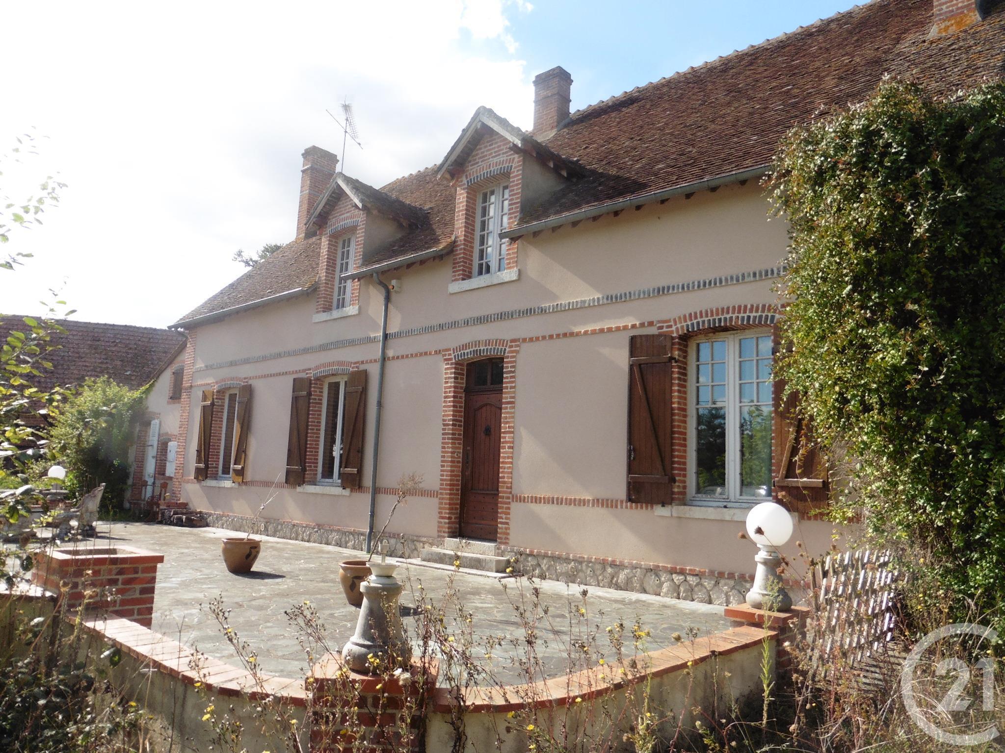 2d999e6966b204 Maison 9 pièces à vendre – Loir-et-Cher (41) – Ref. 28242   CENTURY 21