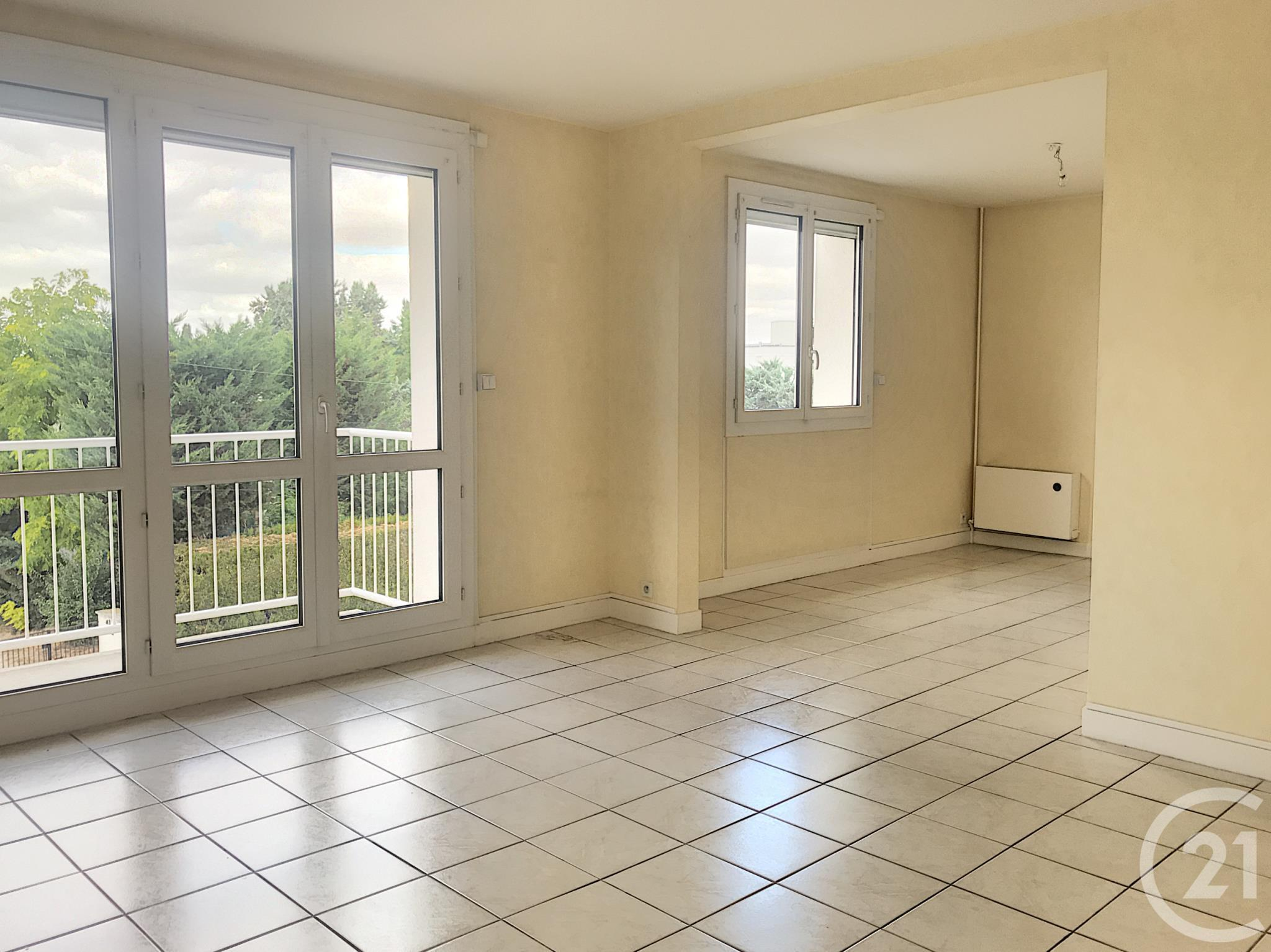 Appartement F4 à louer - 4 pièces - 79 m2 - TROYES - 10 - CHAMPAGNE-ARDENNE