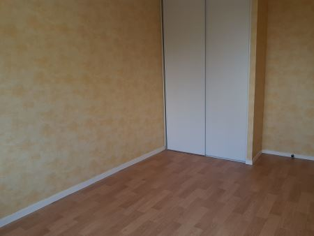 Appartement à louer - 3 pièces - 68 m2 - TROYES - 10 - CHAMPAGNE-ARDENNE