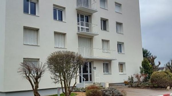 Appartement à louer - 2 pièces - 50 m2 - TROYES - 10 - CHAMPAGNE-ARDENNE