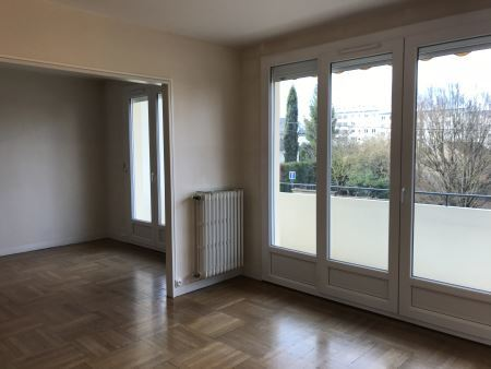 Appartement à louer - 4 pièces - 91 m2 - TROYES - 10 - CHAMPAGNE-ARDENNE