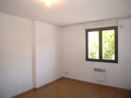 Appartement à louer - 2 pièces - 53 m2 - TROYES - 10 - CHAMPAGNE-ARDENNE