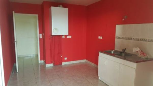 Appartement à louer - 4 pièces - 95 m2 - TROYES - 10 - CHAMPAGNE-ARDENNE