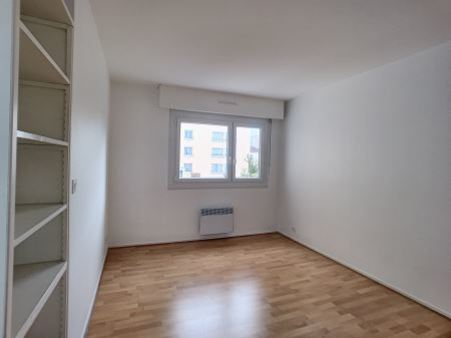 Appartement à louer - 5 pièces - 88 m2 - TROYES - 10 - CHAMPAGNE-ARDENNE