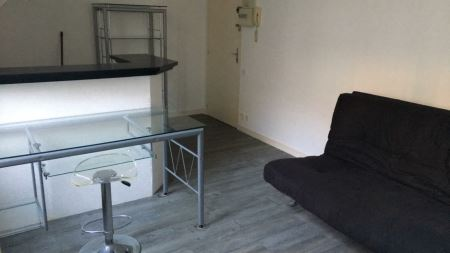 Appartement à louer - 1 pièce - 23 m2 - TROYES - 10 - CHAMPAGNE-ARDENNE