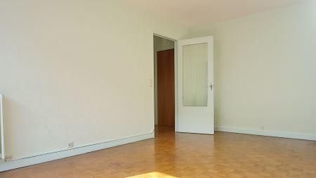 appartement 2 pi ces louer troyes 10000 ref 33258 century 21. Black Bedroom Furniture Sets. Home Design Ideas