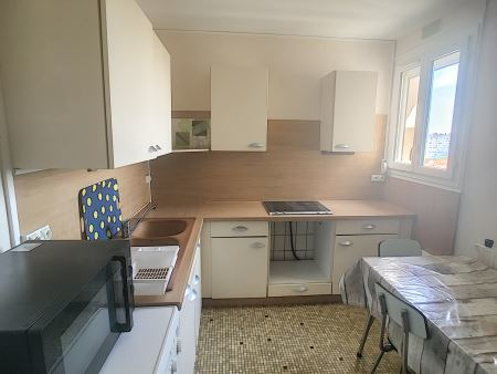 Appartement à louer - 3 pièces - 55 m2 - TROYES - 10 - CHAMPAGNE-ARDENNE