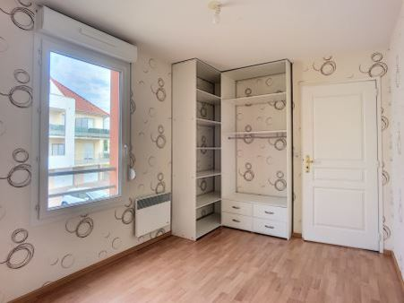 Appartement à louer - 2 pièces - 42 m2 - TROYES - 10 - CHAMPAGNE-ARDENNE