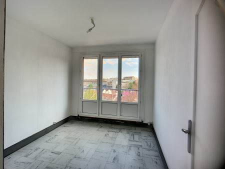 appartement à louer - 4 pièces - 71 m2 - TROYES - 10 - CHAMPAGNE-ARDENNE