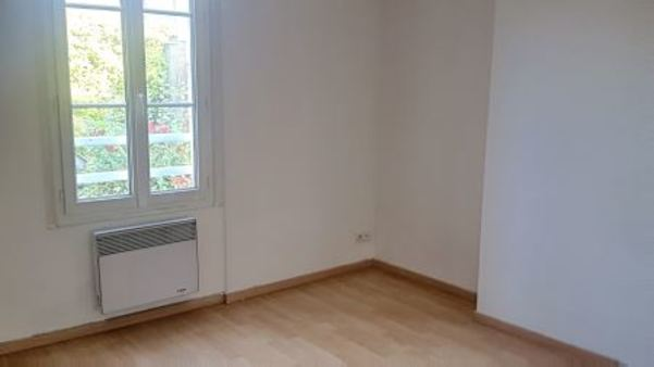 Appartement à louer - 2 pièces - 48 m2 - TROYES - 10 - CHAMPAGNE-ARDENNE