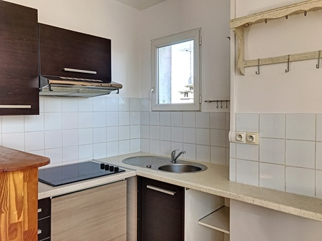 appartement à louer - 2 pièces - 45 m2 - TROYES - 10 - CHAMPAGNE-ARDENNE