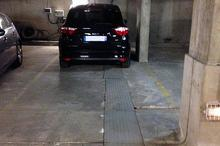 Location parking - PARIS (75015) - 20.0 m²