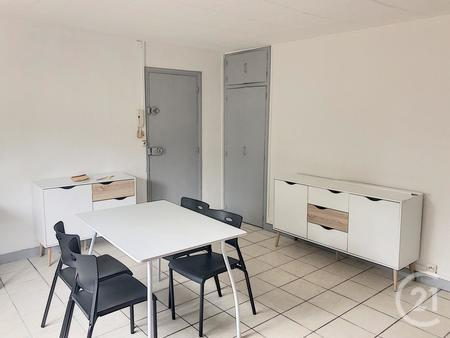 Appartement F1 à louer - 1 pièce - 18 m2 - TROYES - 10 - CHAMPAGNE-ARDENNE